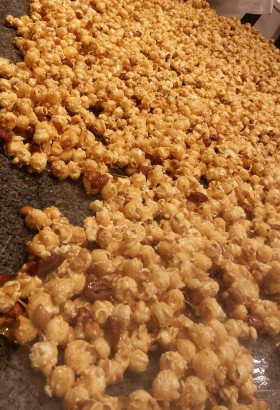 Sweet Caramel Crunchy Popcorn