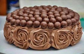 Malteser Chocolate Flower Cake