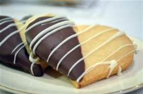Dipped and Drizzled Shortbread Cookie